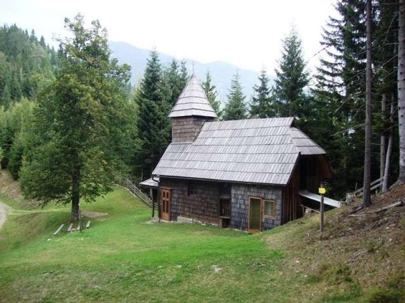 ROSENTALER WANDERPROGRAMM: Ruhige Wanderung zur Sedlce Kapelle